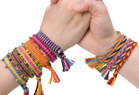 friendship-bracelets.jpeg